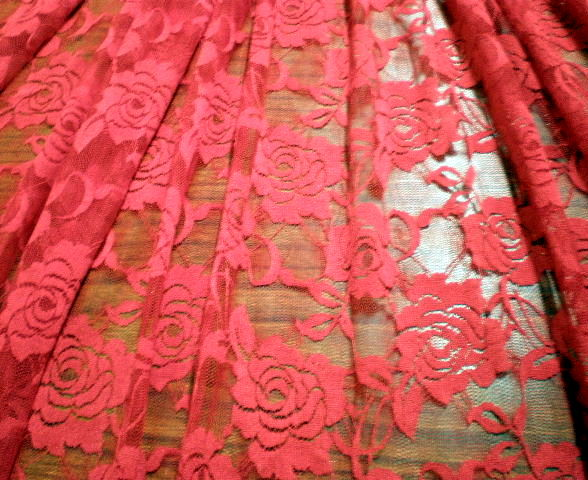 7.Red Putul Flower Lace
